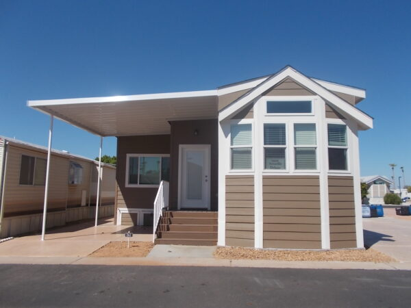 View 653-2620-120; NEW 2019 Athens Amarillo Deluxe; Pet Section; 3 Years Free Rent.