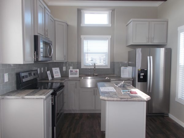 View 653-0180-120; NEW 2019 Athens Austin Deluxe; 3 Years Free Rent