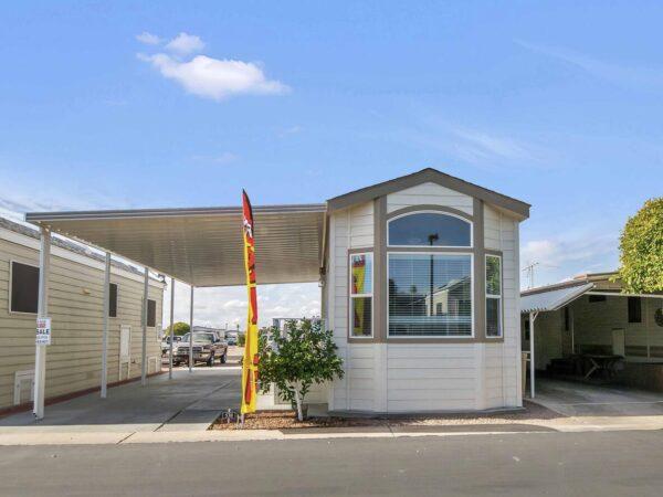 "View 653-0350-120 ~ 2020 Silvercrest Shorepark #5 Park Model ""Ask about our Special Incentives"""